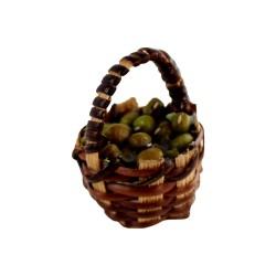 Korb mit grünen Oliven
