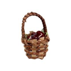Korb mit braunen Oliven